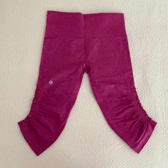 Pink Ruched Cropped Leggings